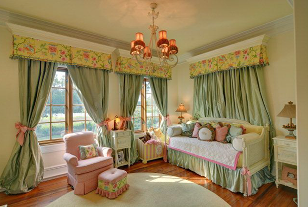 110-Hamptons-Point-Dr-St.-Simons-Isl.-Bedroom-Mint-Pink-Yellow
