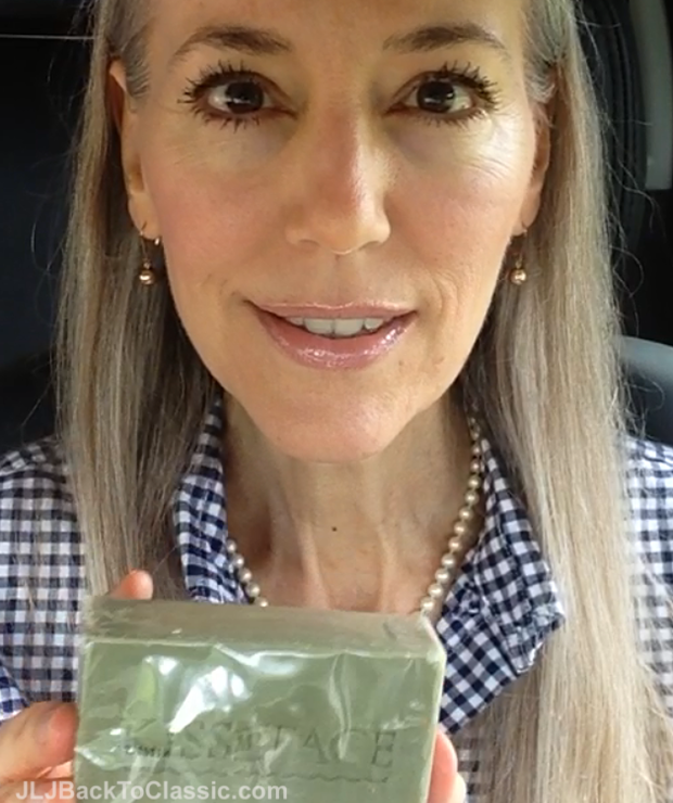 Janis-Lyn-Johnson-Natural-And-Organic-Beauty-Products-Review-YouTube