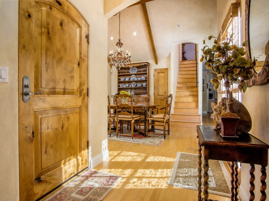 Foyer-Cottage-At-Monte-Verde-And-11th-Carmel-By-the-Sea