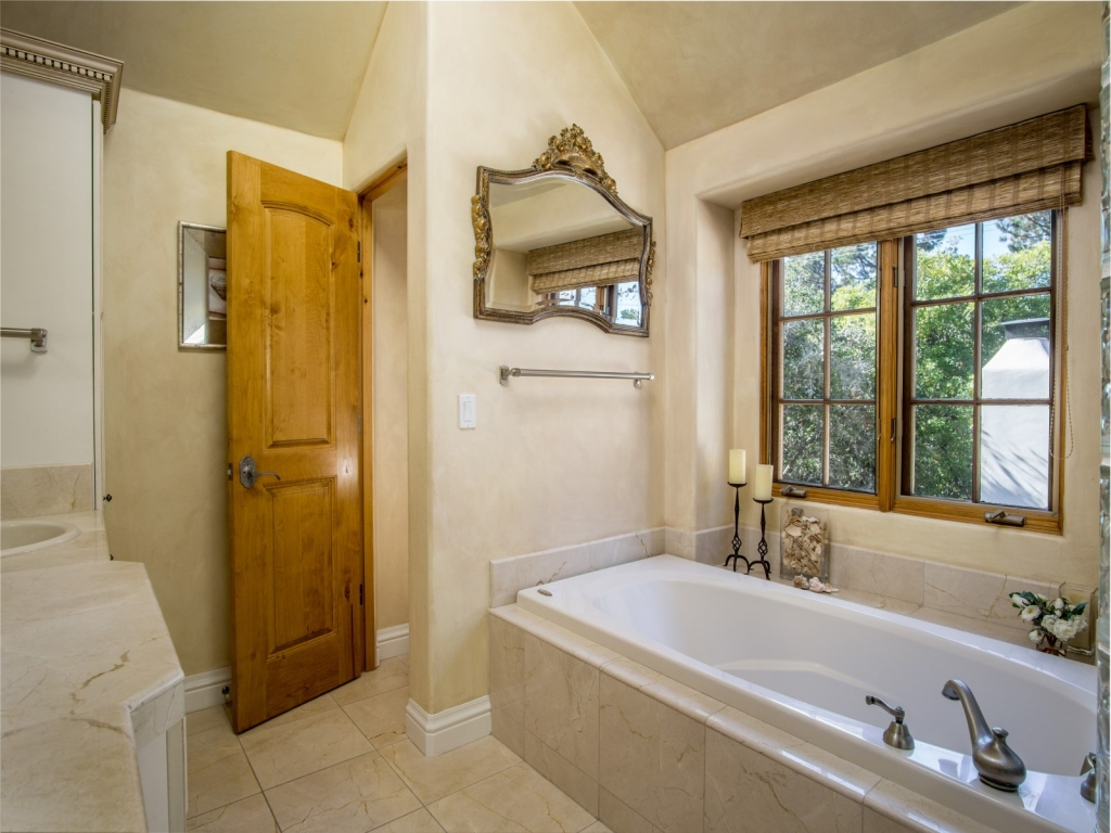 Master-Bath-Cottage-At-Monte-Verde-And-11th-Carmel-By-the-Sea
