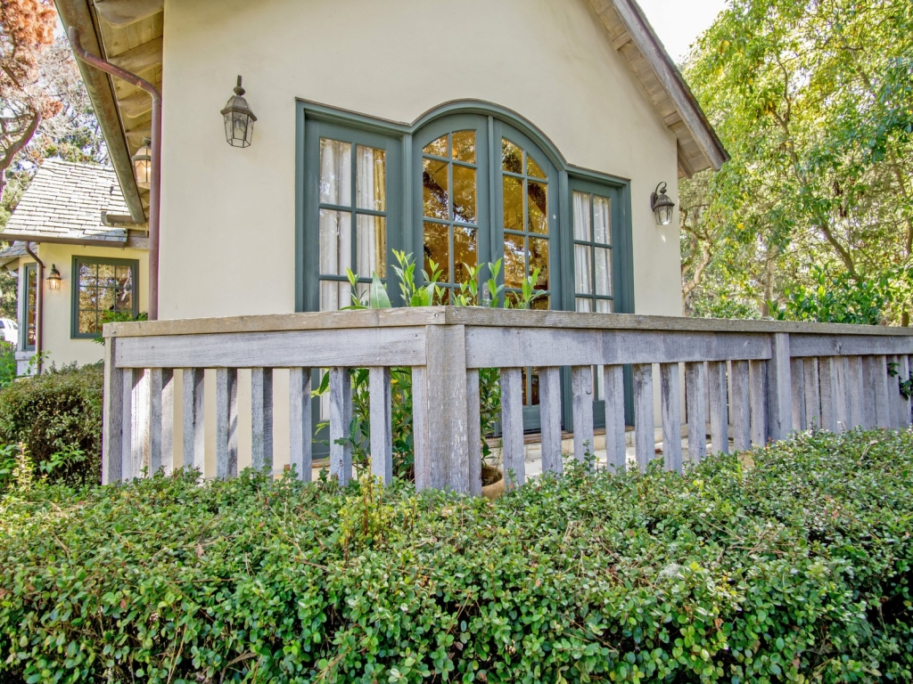 Patio-Cottage-At-Monte-Verde-And-11th-Carmel-By-the-Sea