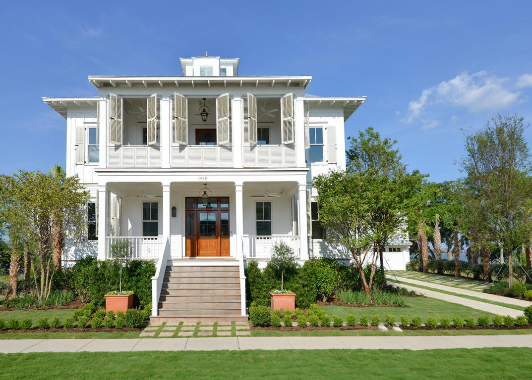 Video A Classic All White Home On The River Daniel