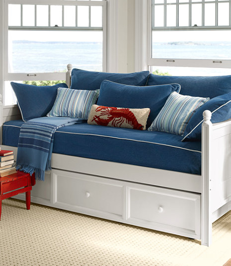 Farmhouse-Daybed-LLBean