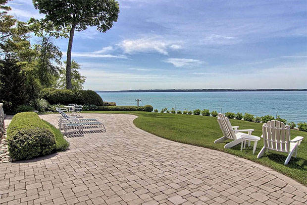 http://www.sothebysrealty.com/eng/sales/detail/180-l-2249-jp4zp4/721-and-723-dellwood-harbor-springs-mi-49740