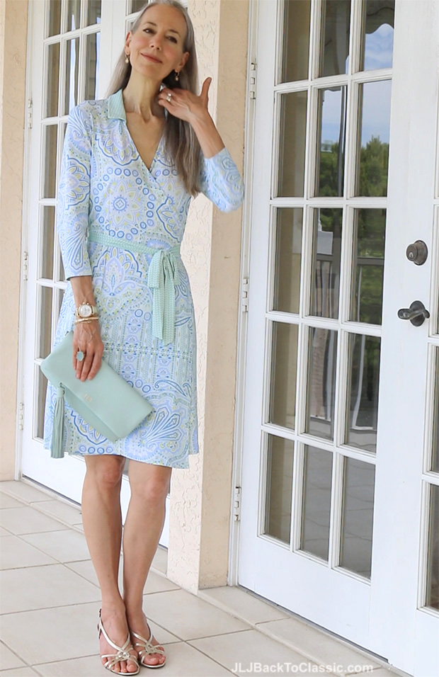 Classic-Fashion-Over-40-50-J-McLaughlin-Dress-Gigi-NY-Clutch