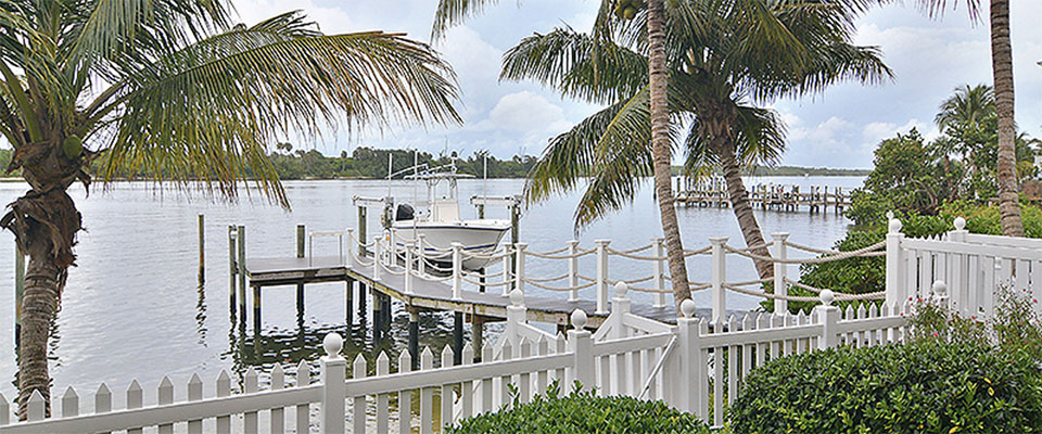A Cheery Island-Style Cottage on the Intracoastal Waterway in Tequesta, Florida