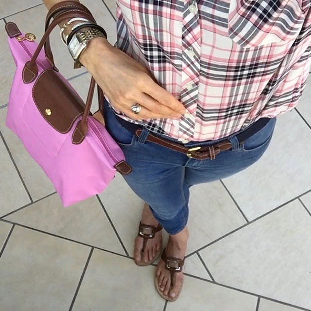 Classic-Fashion-Over-40-Skinny-Jeans-Pink-Longchamp-Tote-Cole-Haan-Thongs