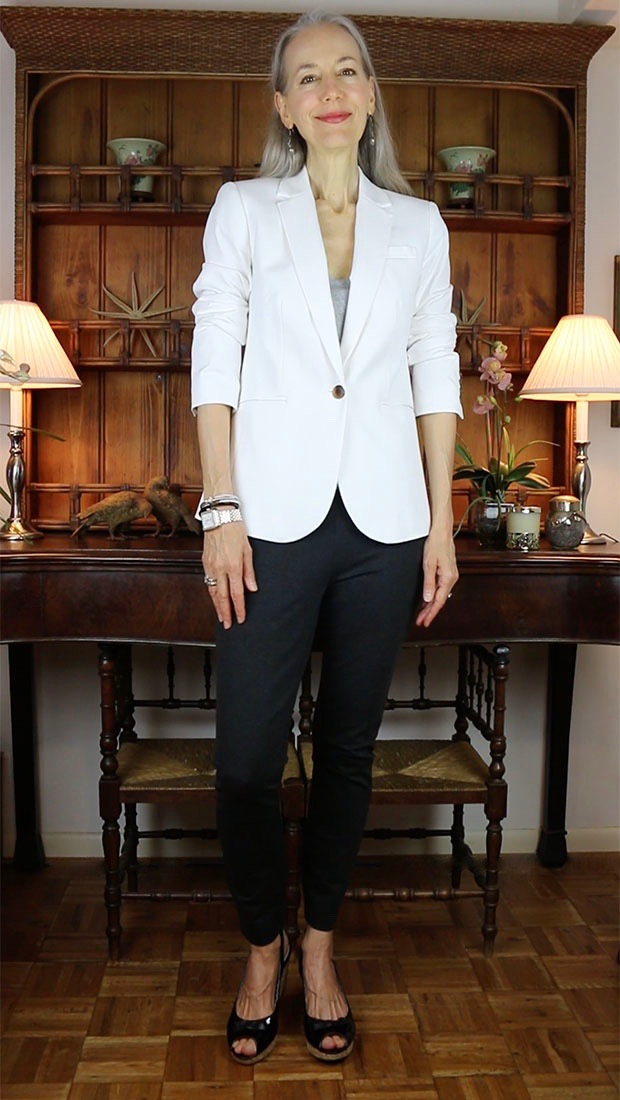 Classic-Fashion-Over-40-J-Crew-White-Cambell-Blazer-Charcoal-Pixie-Pant