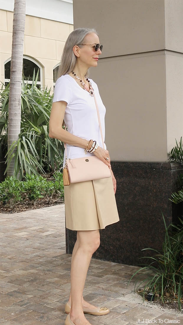 Video Classic Fashion Over 40 50 Khaki Skirt And White
