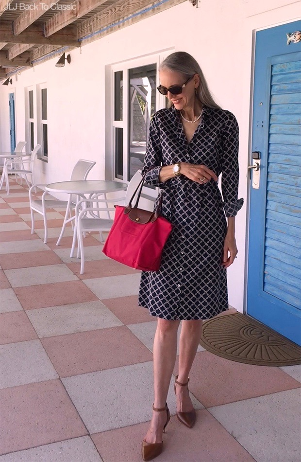 Classic-Fashion-Style-Over-40-50-Brooks-Brothers-Shirtdress-Longchamp-Le-Pliage