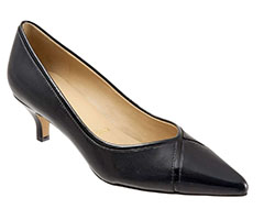 Trotters-Black-Kelsey-Pointy-Toe-Pump