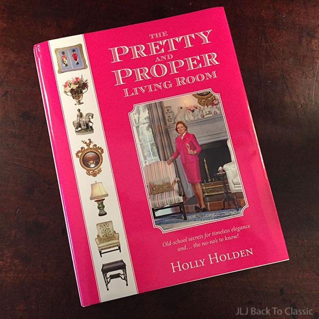 Hardcover-The-Pretty-and-Proper-Living-Room-by-Holly-Holden