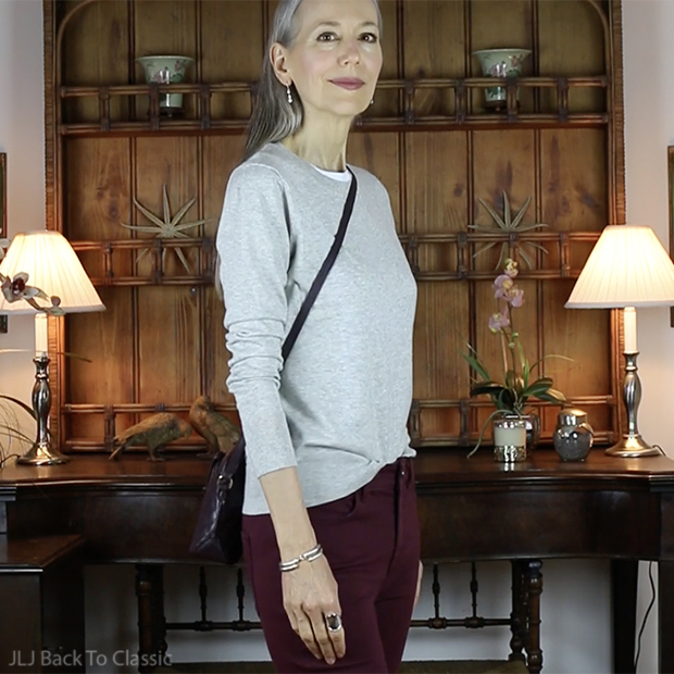 classic-fashion-over-40-50-banana-republic-gray-cashmere-crewneck-sweater