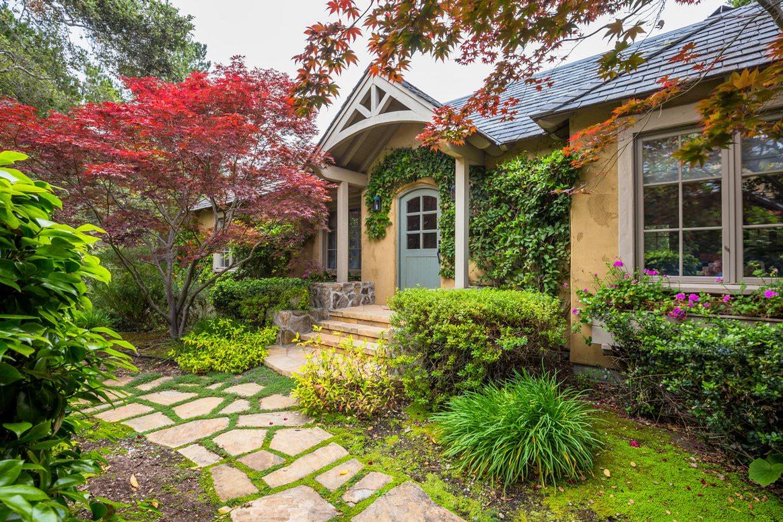 Classic-Carmel-CA-Bungalow-Guest-House