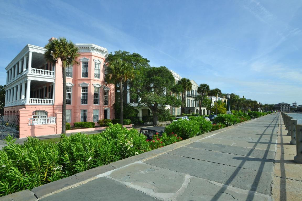 The Stately 11 629 Square Foot Main House Overlooks Charleston Harbor And Has Seven Bedrooms Baths Two Half A Carriage Offers