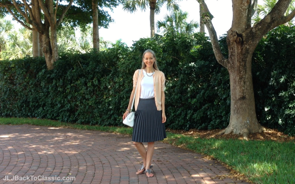 Ann-Taylor-Peach-Cardigan-and-Grey-Pleated-Skirt-With-Cromia-Bag