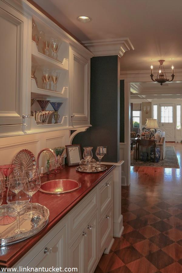 Wood-Counter-Copper-Sink-Bar-The-Sheiling-Cottage-40-Ocean-Avenue-Sconset-MA