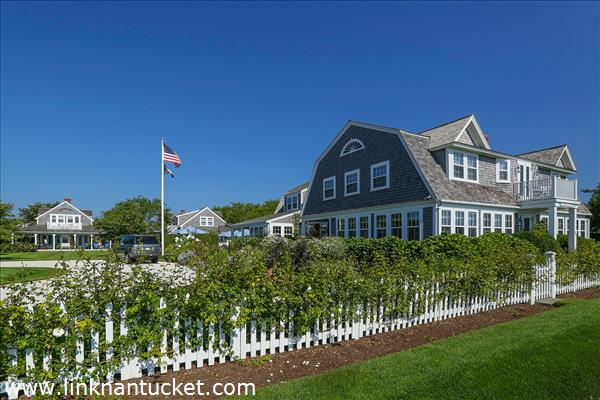 The-Sheiling-Cottage-40-Ocean-Avenue-Sconset-MA
