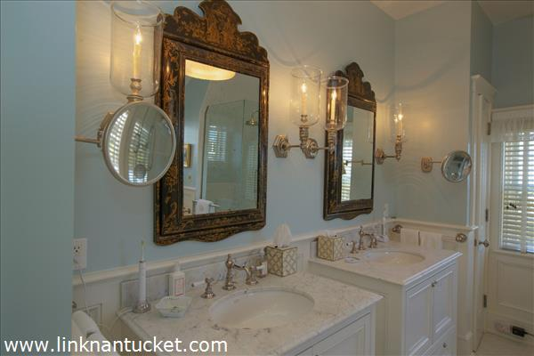 The-Sheiling-Nantucket-Master-Bathroom