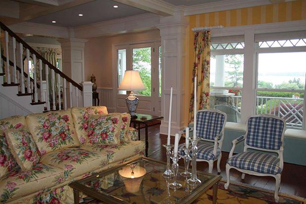 683-E-Bluff-Dr-Harbor-Springs-MI-Living-Room