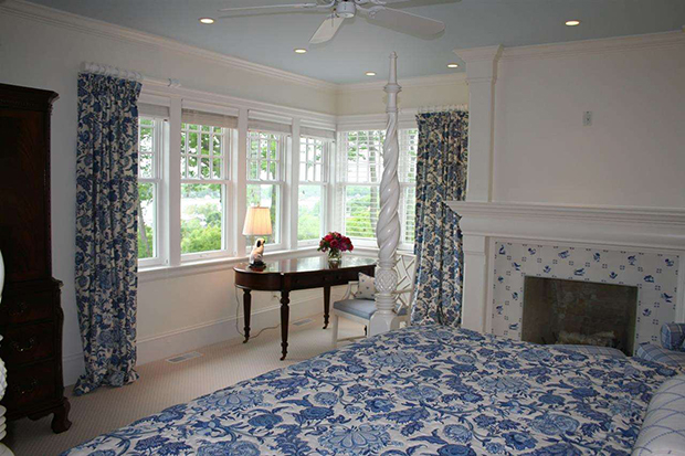 683-East-Bluff-Dr-Harbor-Springs-Blue-and-White-Bedroom