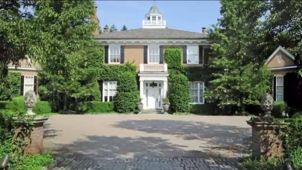 Classic-Brick-Georgian-House-Greenwich-Connecticut-Front