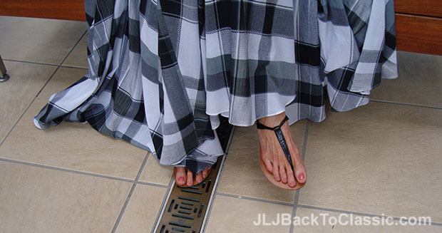 Plaid-Soft-Surroundings-Skirt-Black-T-Strap-Sandals