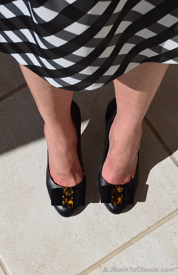 Tory-Burch-Tortoise-Bow-Chase-Pumps