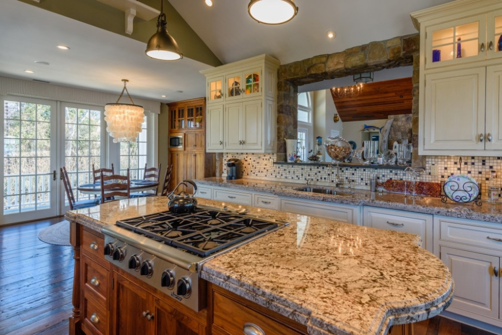 30-Wills-Point-Rd-Beate-Moore-Sothebys-International-Realty