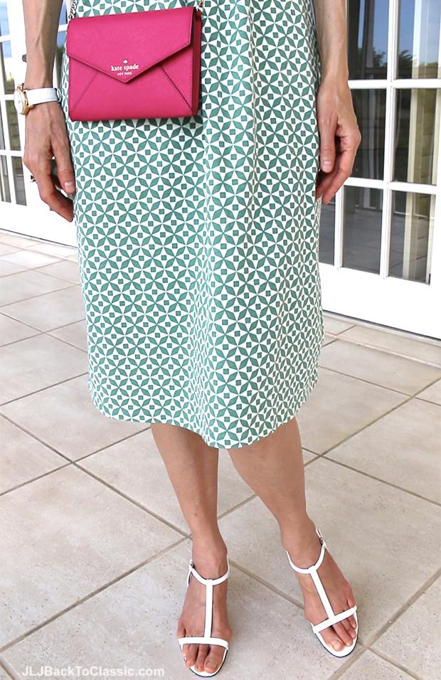 Classic-Fashion-Over-40-Pink-Kate-Soade-Crossbody-White-Vaneli-Sandals