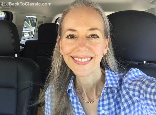 Janis-Lyn-Johnson-Vlogging-For-JLJBackToClassic-YouTube