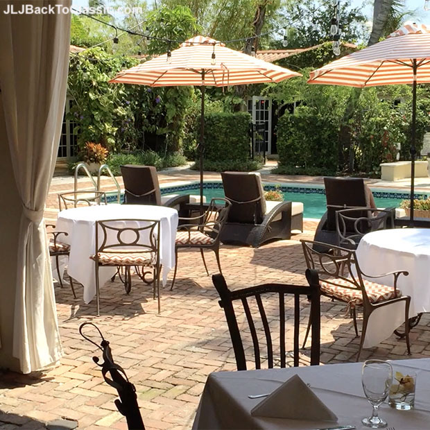 Hotel-Escalante-Poolside-Patio-Restaurant-Naples-FL