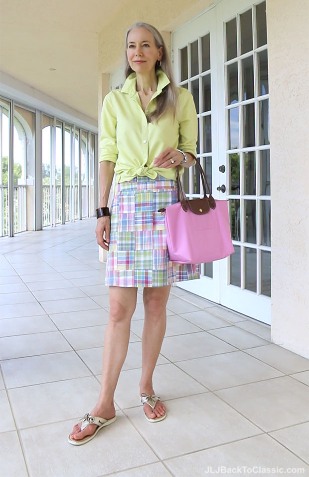 Preppy-Over-40-Land's-End-Oxford-Plaid-Skirt-Longchamp-Tote-Sperry-Thongs