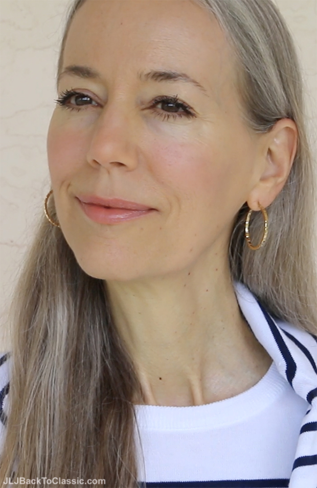 Classic-Beauty-Over-50-Natural-and-Oranic-Makeup-Long-Naturally-Graying-Hair