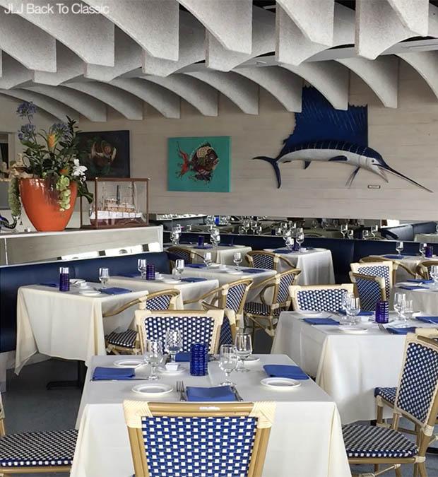 Classic-Fashion-Over-40-50-Vlog-Venetian Village-Naples-Fish-Restaurant