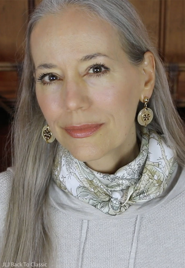 Classic-Beauty-Over-50-Long-Gray-Hair-All-Natural-Makeup-Janis-Lyn-Johnson