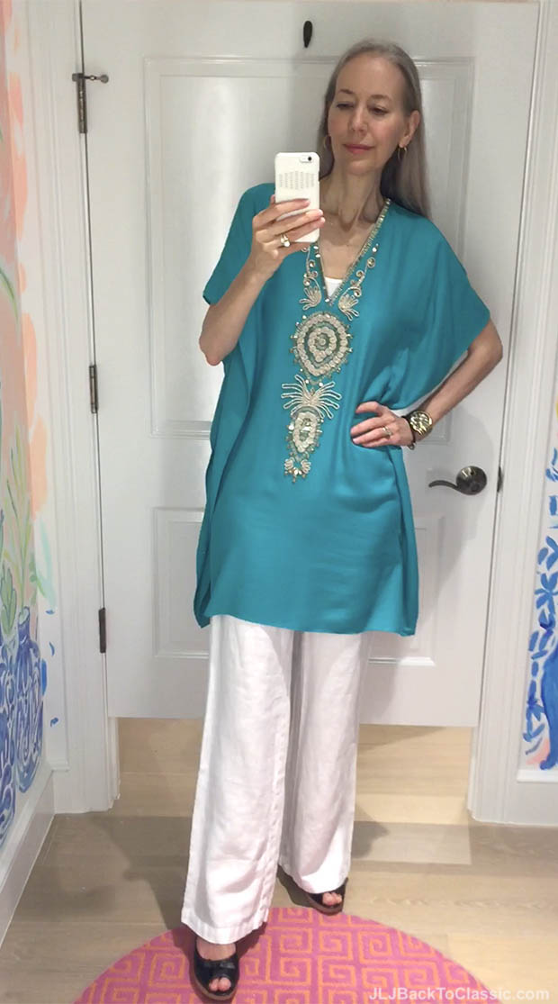 Classic-Fashion-Over-40-50-Lilly-Pulitzer-Chai-V-Neck-Caftan