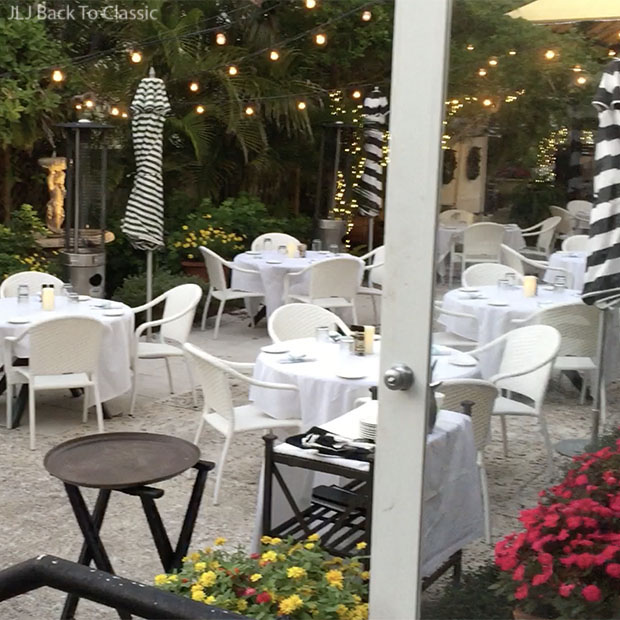 Ridgway-Bar-And-Grill-Third-Street-Naples-Patio