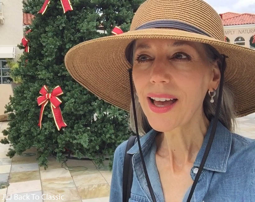 Vlog-Holidays-at-Village-on-Venetian-Bay-M-Waterfront-Grille-Naples-FL