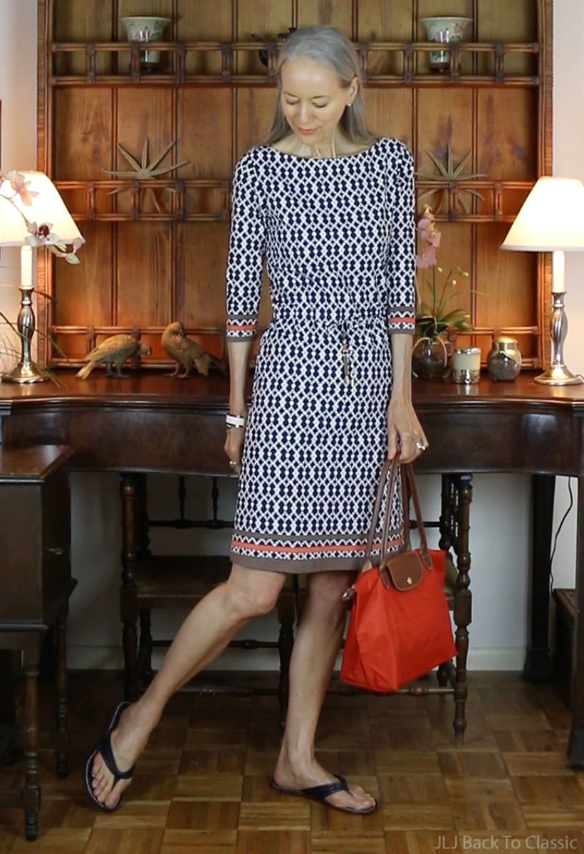 preppy-fashion-over-40-longchamp-le-pliage-j.mclaughlin-navy-white-marianne-dress