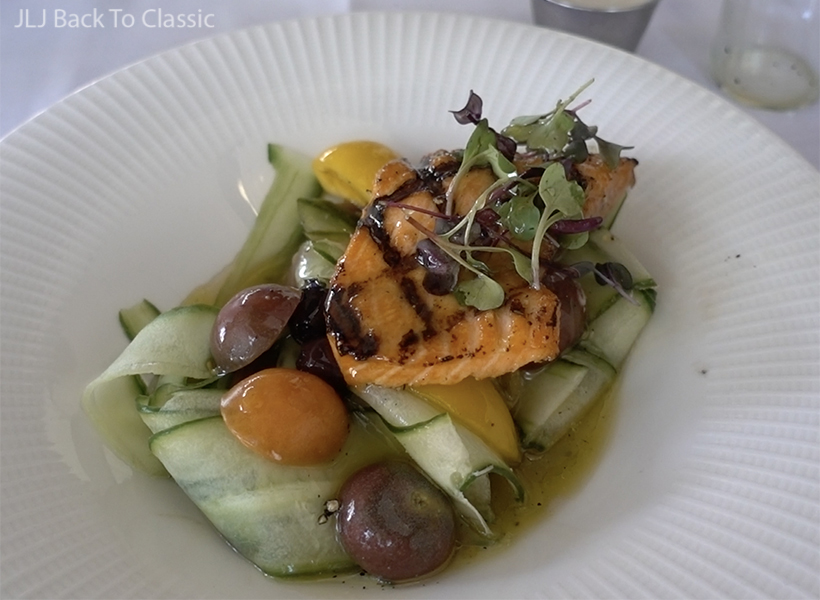 gaps-friendly-lunch-vlog-sea-salt-restaurant-naples-fl-wild-salmon-salad