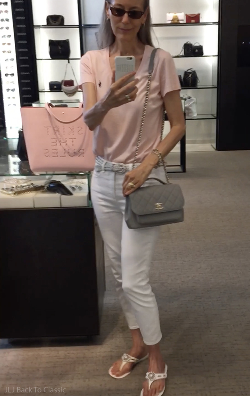 1-vlog-chanel-in-store-try-on-medium-light-gray-business-affinity-caviar