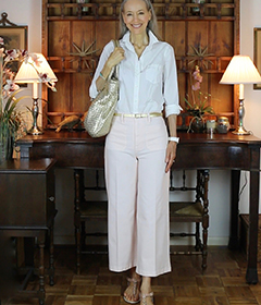 1a-classic-style-white-button-up-shirt-blush-cropped-pants-gold-tote-IGshop