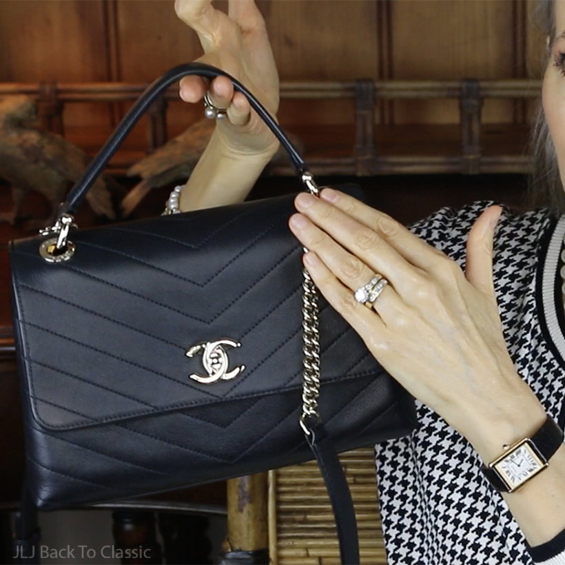 What's-Inside-My-Chanel-black-chevron-chic-top-handle-bag