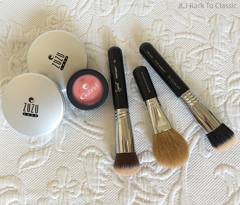 zuzu-dual-powder-foundation-gabriel-peach-blush-sigma-makeup-brushes
